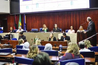 23-08 - Sessão Especial debate a questão do idoso - ©2017 nyll pereira - 004