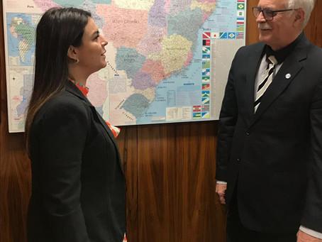 Parlamentar anuncia projeto de lei para implantar o SBC vai à Escola em todo o país