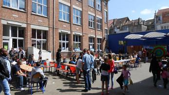 Grande cour fancy-fair 2013.jpg
