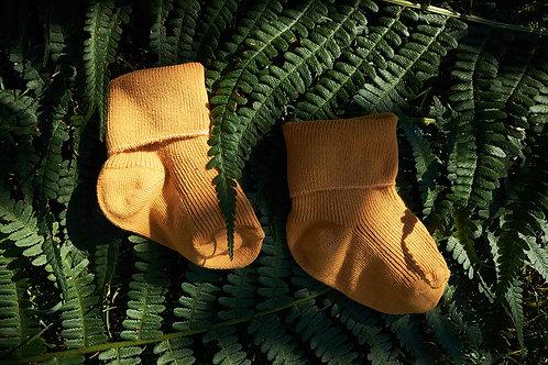 Vysoké ohrnovací ponožky pro malé objevitele-hořčicové