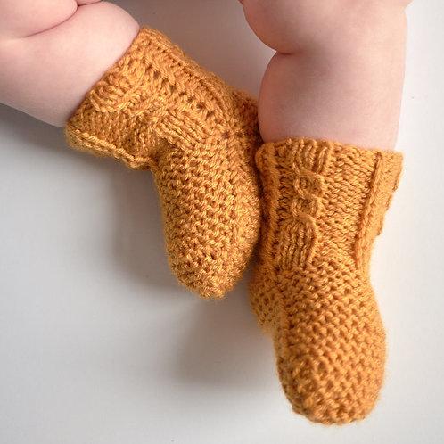 Pletené ponožky pro malé zachumlánky-hořčicové