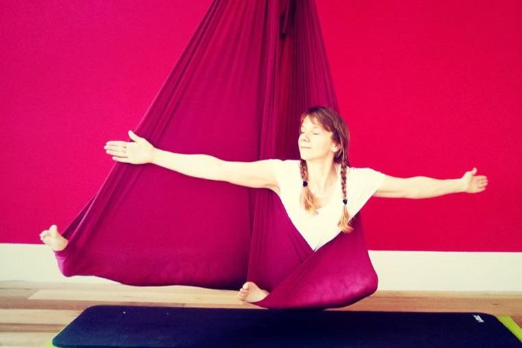 Aerial YIN Yoga mit Katharina Rinn
