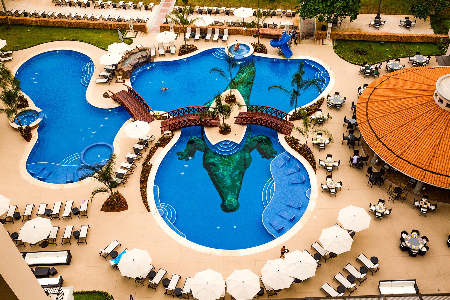 Crocs Pool
