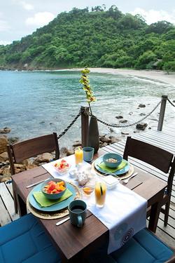 Breakfast oceanside