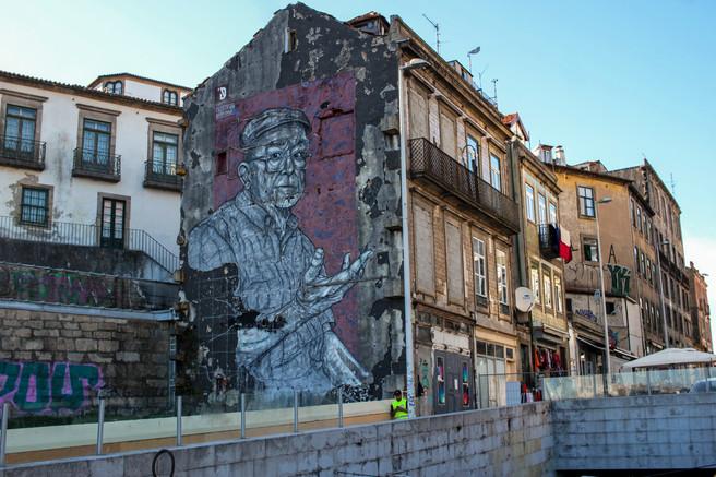 Grafitti antes de pasar al Ponte Luiz I