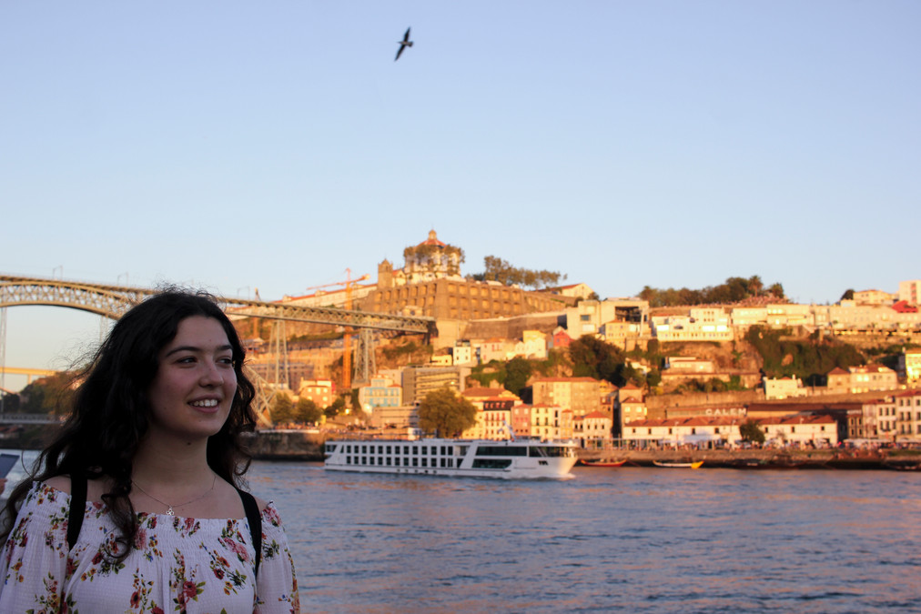 Yo en Ponte Luiz I desde la Ribeira