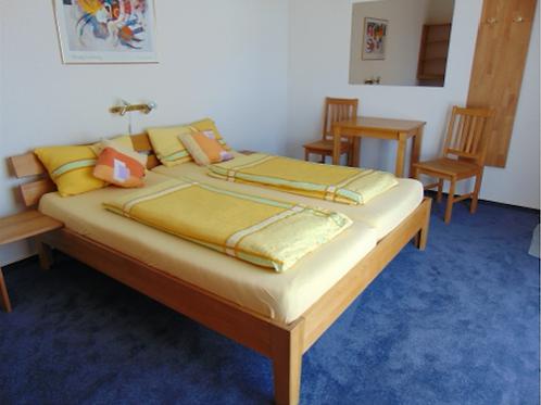 Standardzimmer 2 mit Balkon / € 59 - € 75 pro Tag