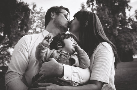 Family love and connection photograph in Zurich