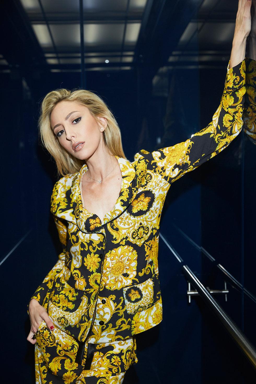 ג׳וליה לוי בוקן בהפקת אופנה לגלאמיק