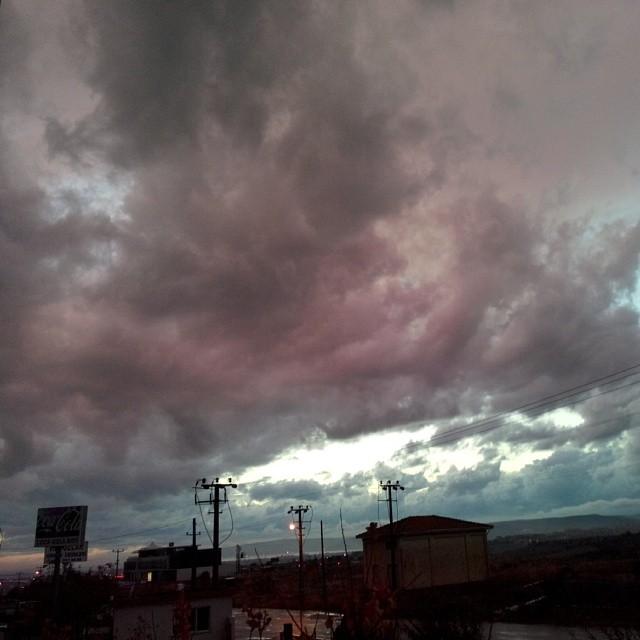 Instagram - Yağmur sonrası kırmızı bulutlar...jpg