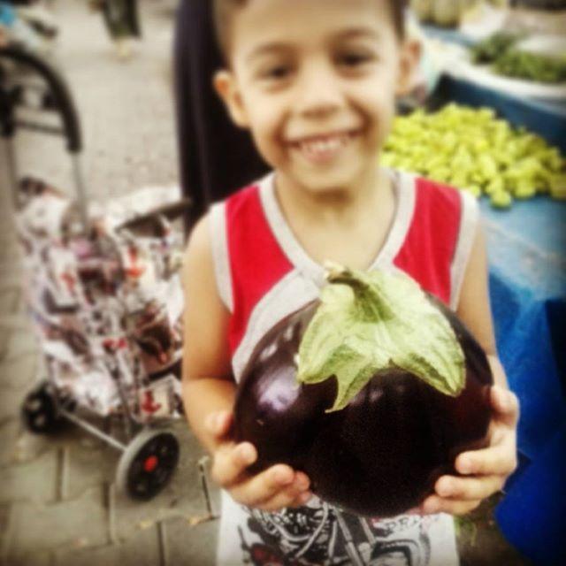 Instagram - Domates biber patlıcaaaan... Sen hiç hormonsuz, doğal tam 1250 gr. t