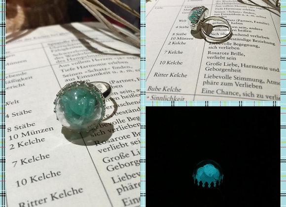 Ring mit Türkisen Leuchtsteinen