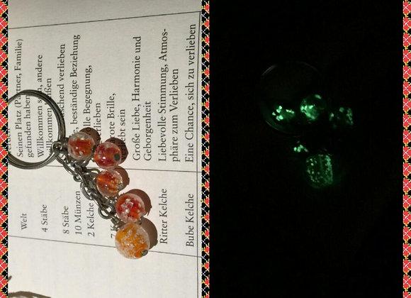 Schlüsselanhänger mit Leuchtperlen in Orange