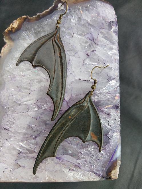 Fledermaus Ohrringe in Grau/Braun
