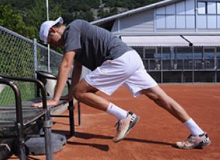 L'échauffement avant le tennis.