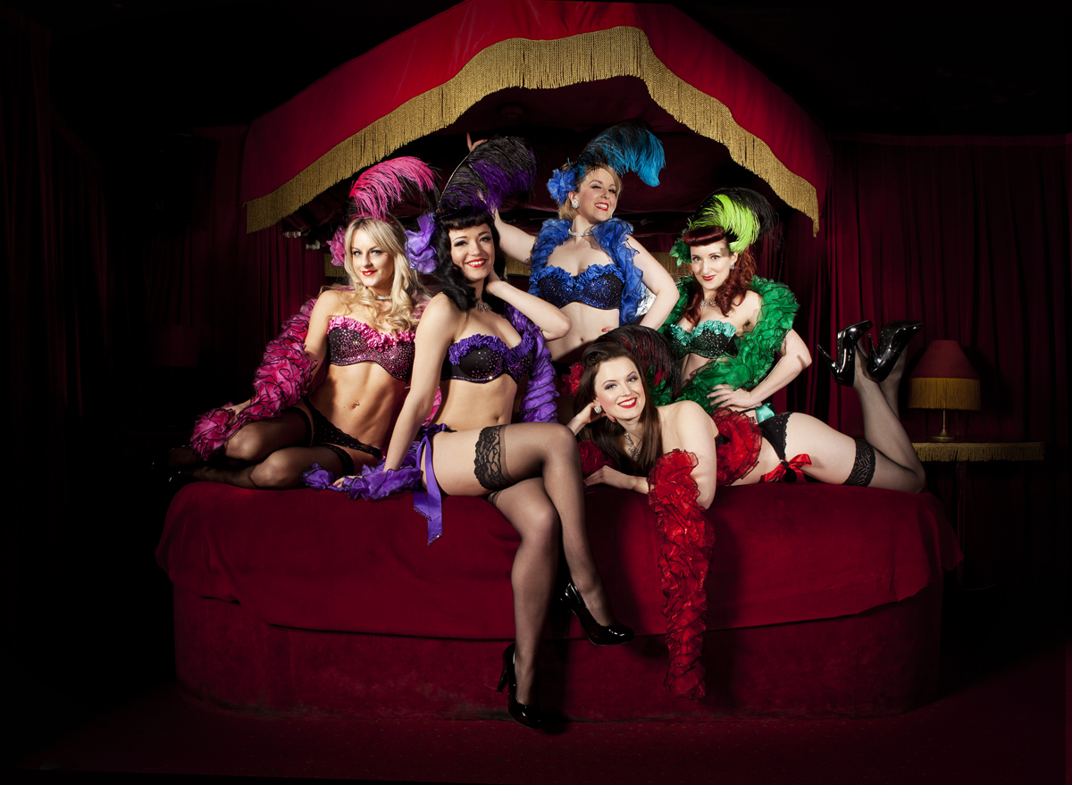 Burlesque girls