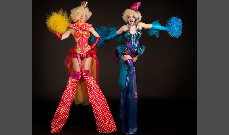 Stilts circus belles DP