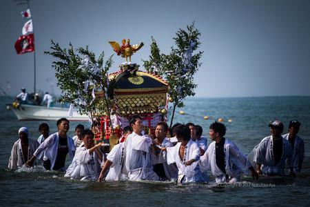宮崎市青島 海を渡る祭礼