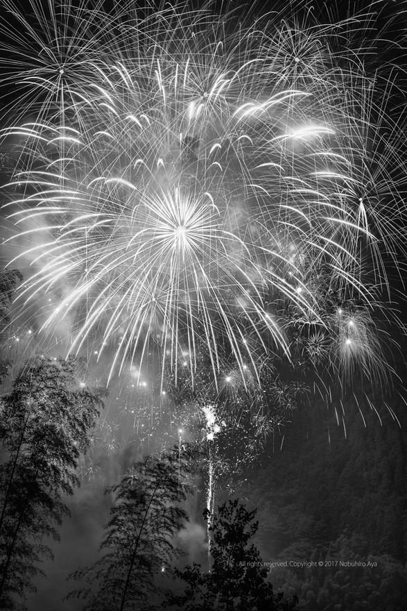 西米良村 やまびこ花火大会2017