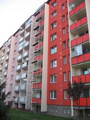lešení Vsetín - natěr balkónů.JPG
