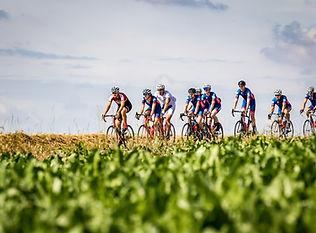 bikers en mass.jpg