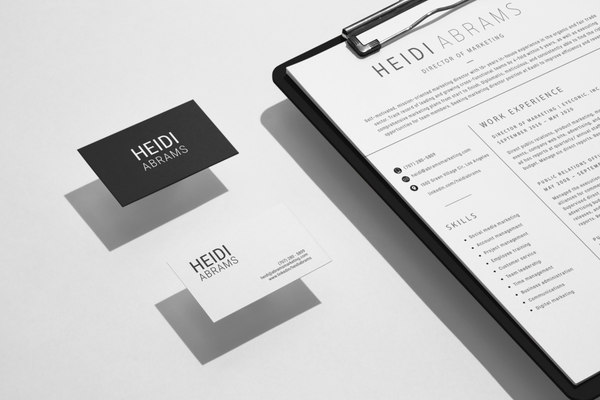 clipboard-and-business-card-mockup-scene
