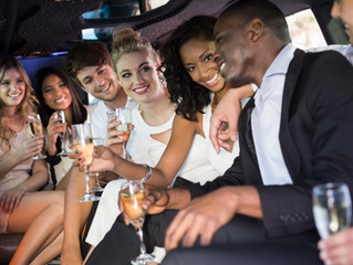 5 reasons to rent a limo bus
