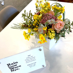 Flower Arrangement by momoglobal flowers