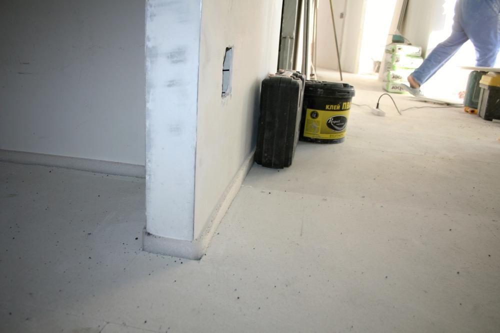 Стена и кромочная лента