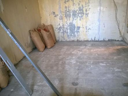 Сухая стяжка и ламинат в панельном доме
