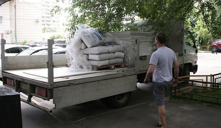 Доставка материалов Кнауф на трёхтонном грузовике