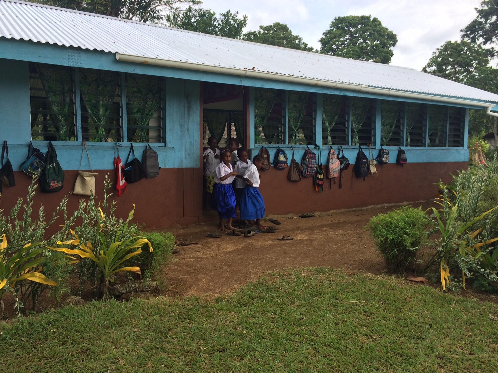 Iethvekar Vanuatu-School.JPG