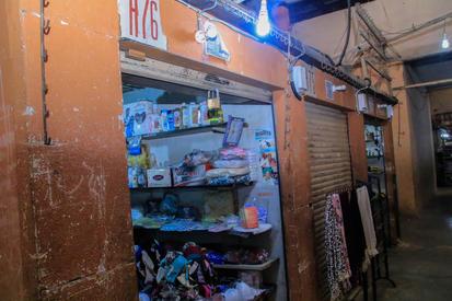 Ita-Osu-Market-Another-shop-receiving-un