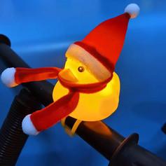 Canard Jaune avec Bonnet de Noël