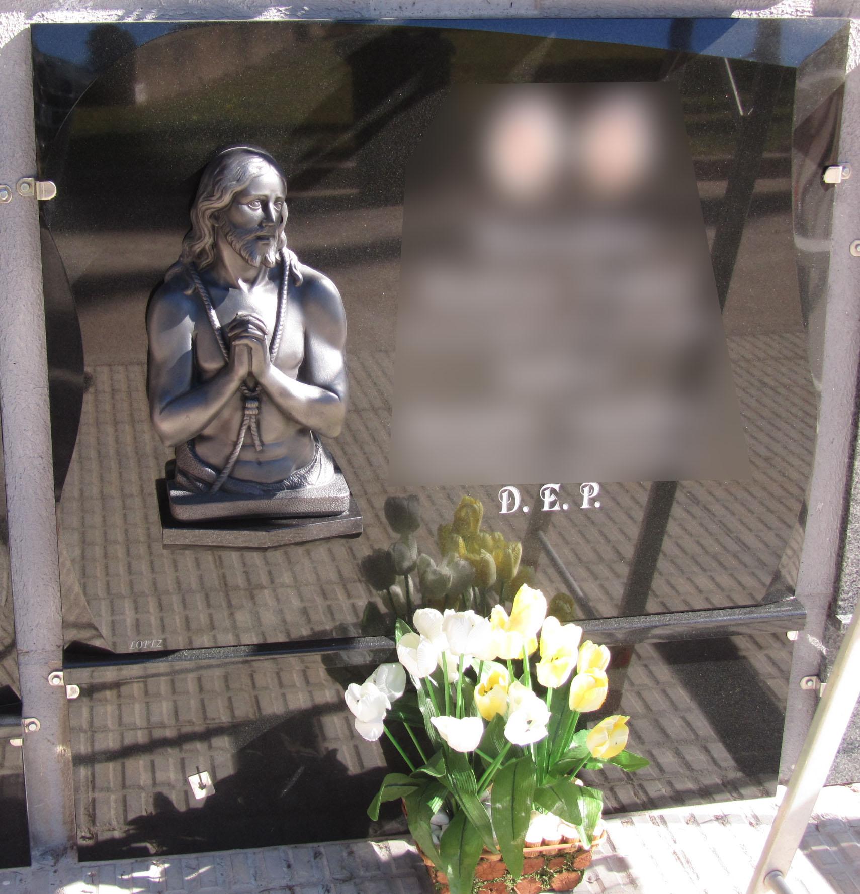 Lapida figura Jesus