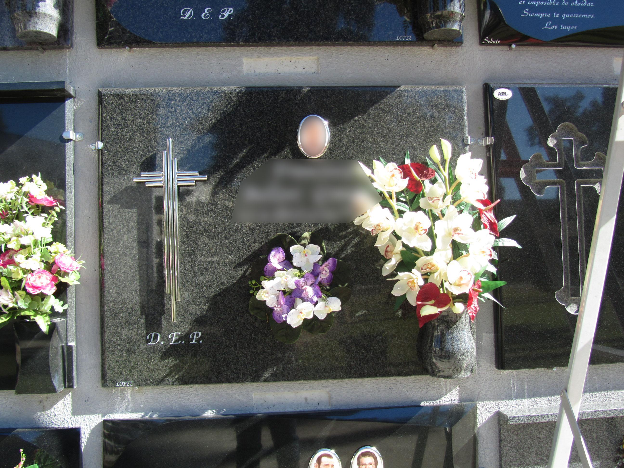 Lapida cruz acero inoxidabkle