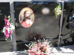 Lapida incrustacion corazón de Jesus