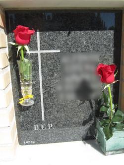 Lapida columbario cruz sencilla