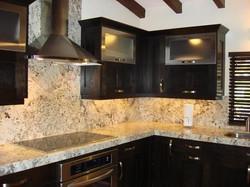 cocina con frontal de granito