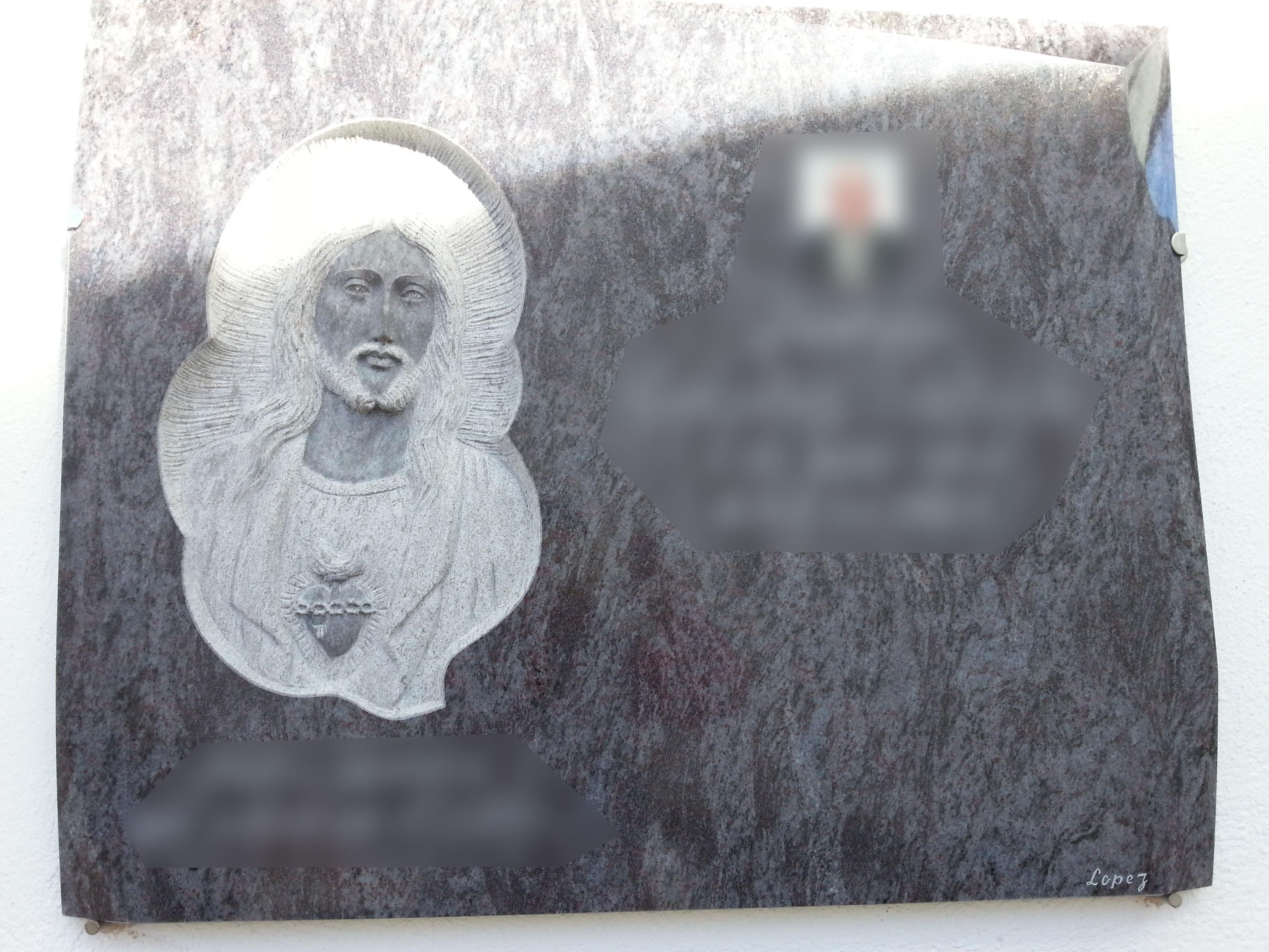 Lapida escultura Corazon de Jesus