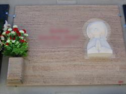 Lapida figura marmolina Virgen Niña