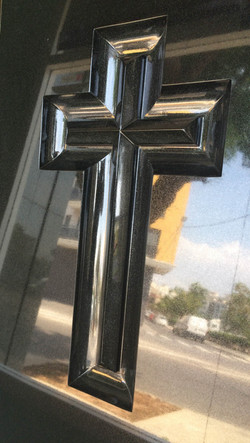 Lapida cruz dos aguas fondo pulido