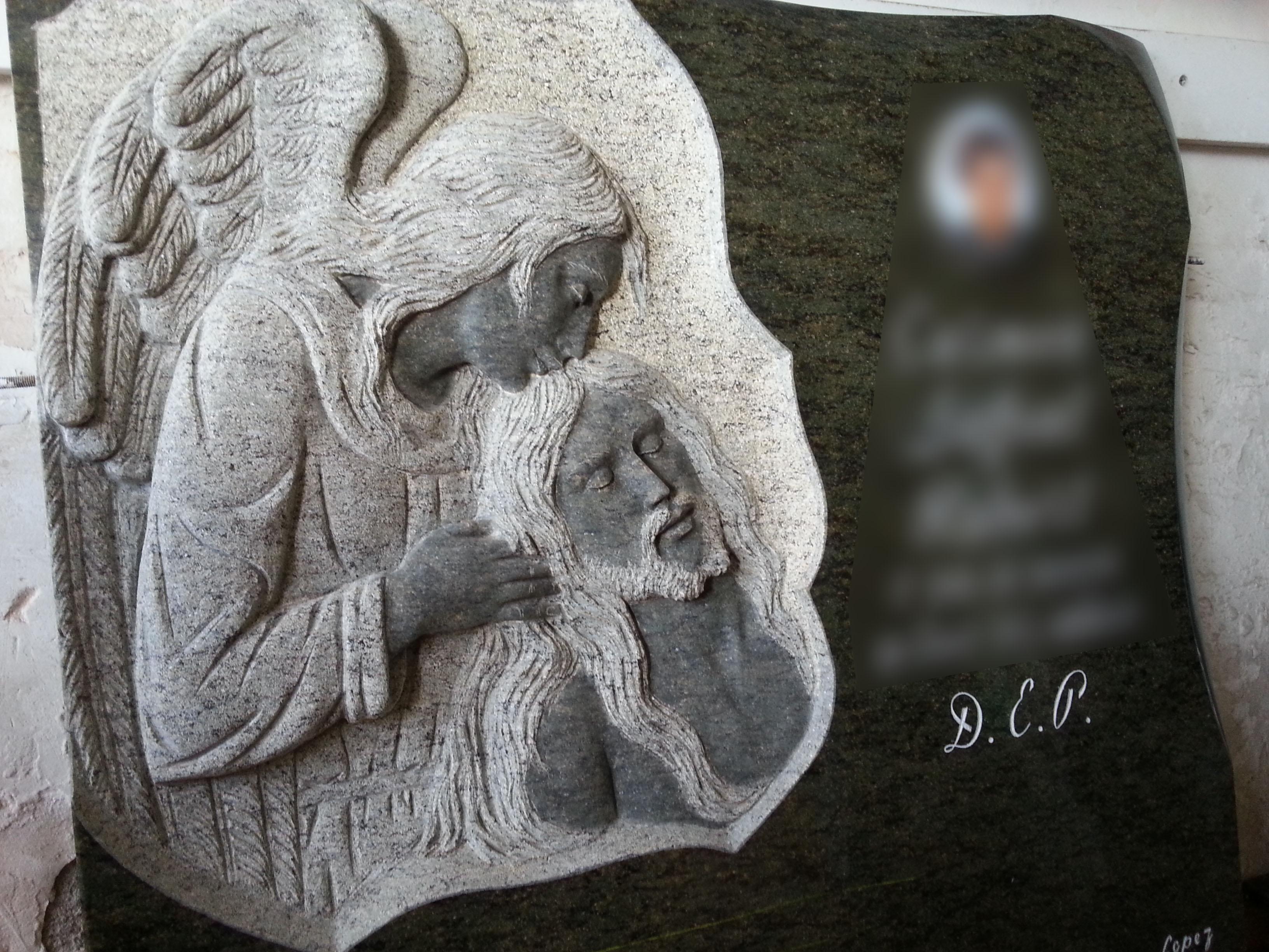 Lapida escultura angel con Jesus