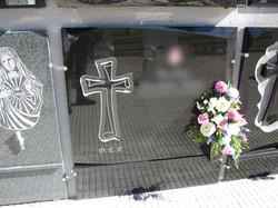 Lapida cruz papel plana