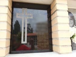Lapida columbario cruz picada