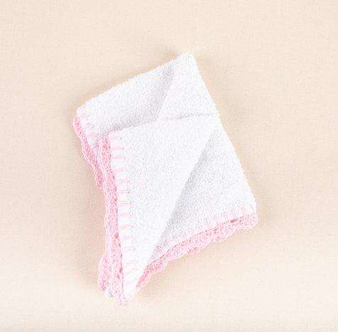 מתנה ליולדת עבודת יד - מגבת פליטה עם קצו