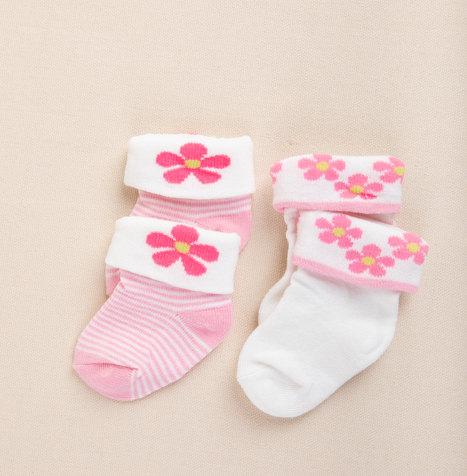 מתנה ליולדת - גרביים תינוקת _ק.jpg