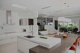 Bright%20and%20Modern%20Kitchen_edited.j
