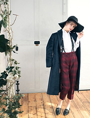Alpaca overcoat with tartan trews