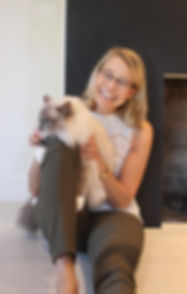 Jennifer Garrepy the Pet Therapist with her cat